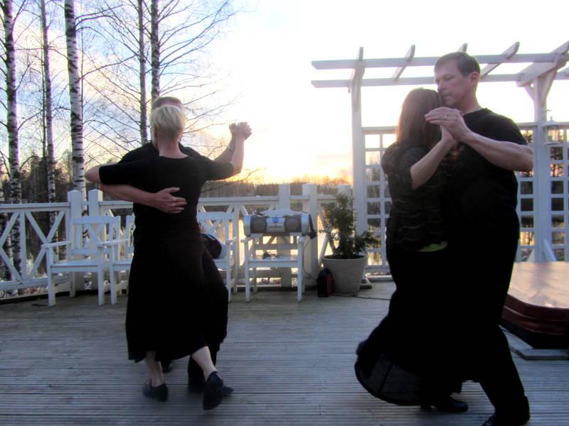 Tango tanzende Finnen