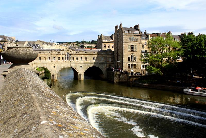 Eine der wenigen Brücken mit Bebauung - In Bath