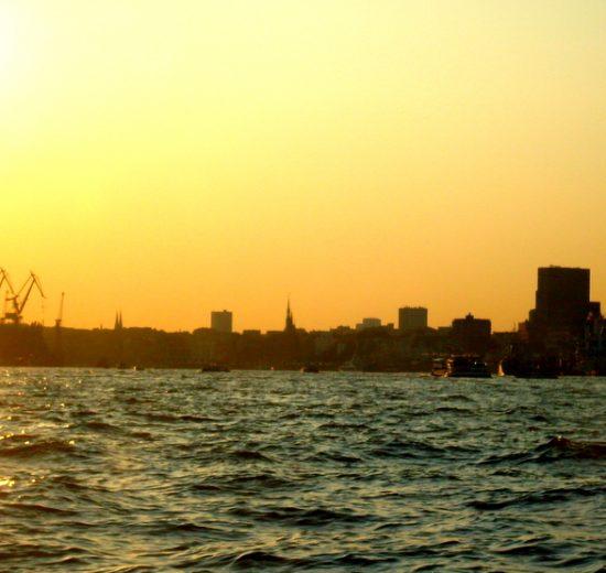 Hamburg Skyline vom Wasser
