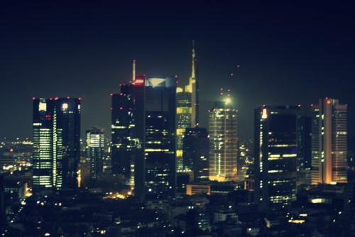 Skyline bei Nacht Marriott Frankfurt