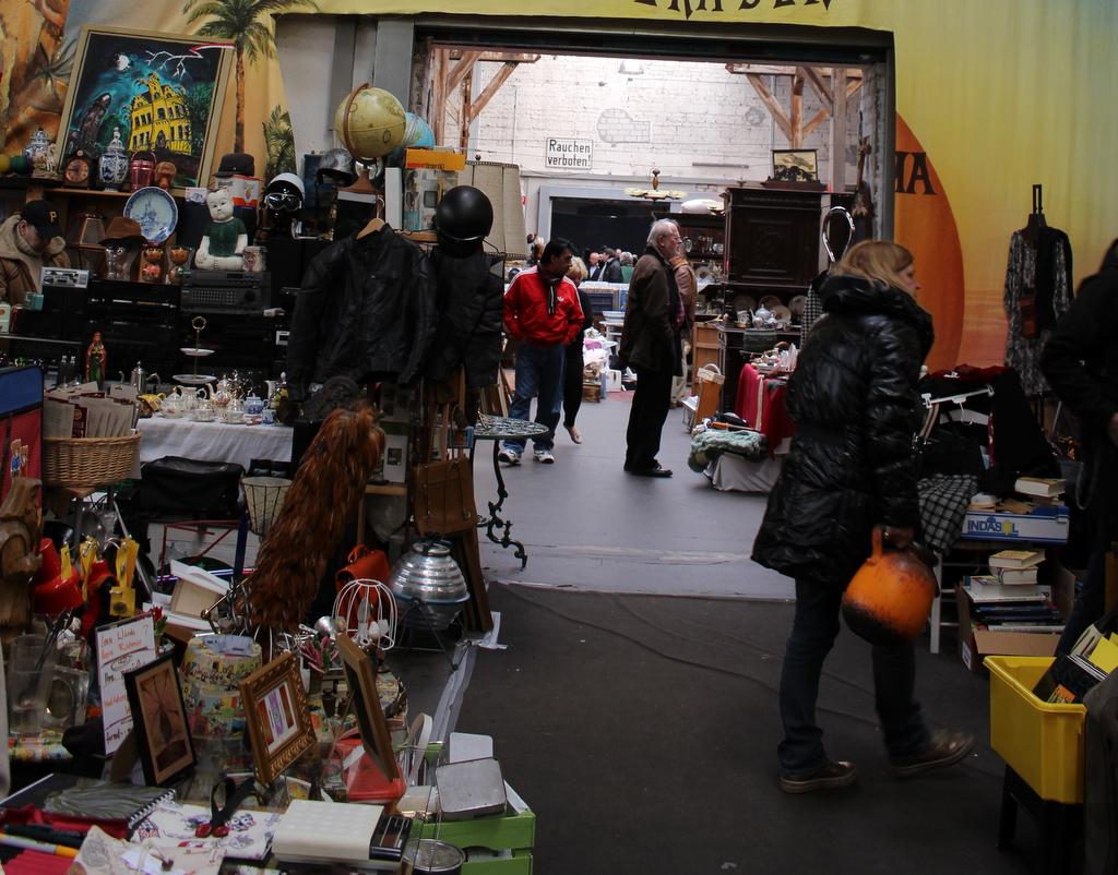 Trödeln im Gare du Neuss