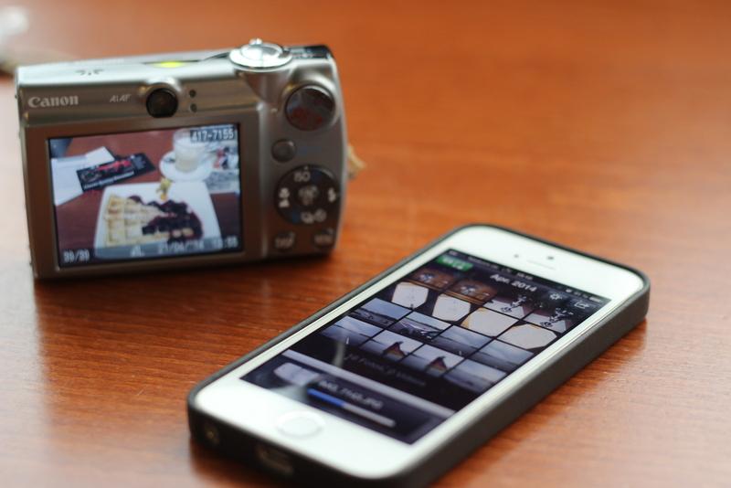 Kamera und Handy mit App