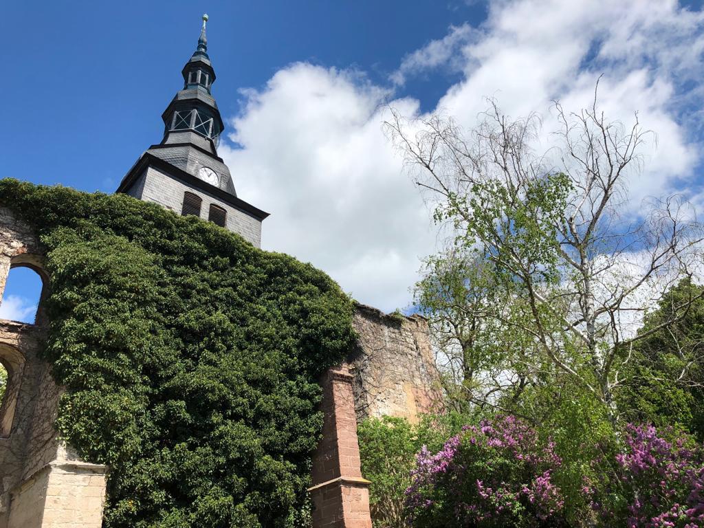 Der schiefe Turm von Bad Frankenhausen - Schräge Erinnerungen an die alte Heimat