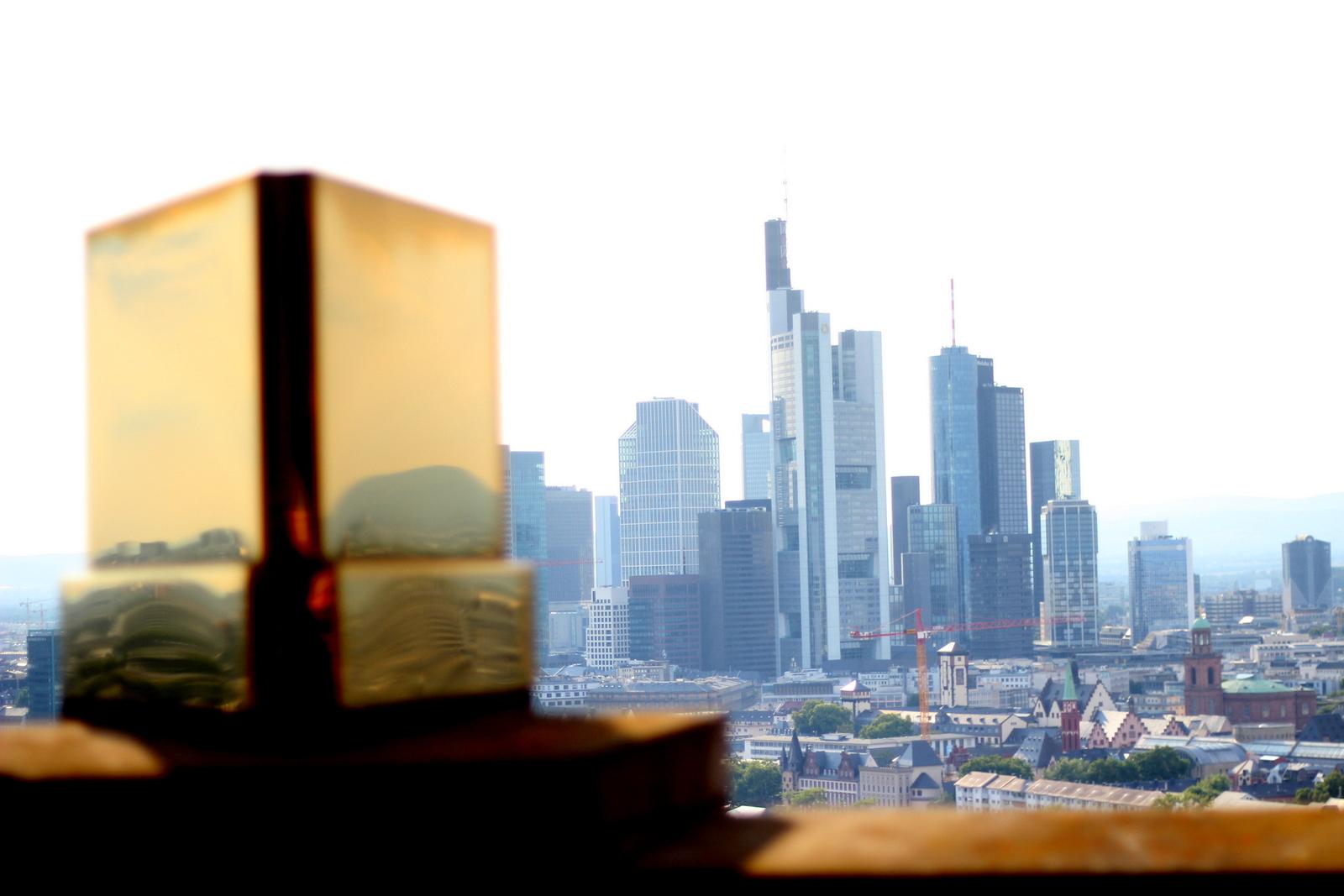 """Auf den Spuren der """"3 Fragezeichen"""" im Lindner Hotel Main Plaza Frankfurt"""