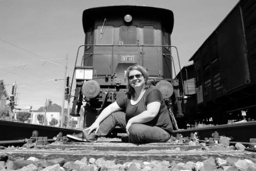 Ich auf den Gleisen von Locorama
