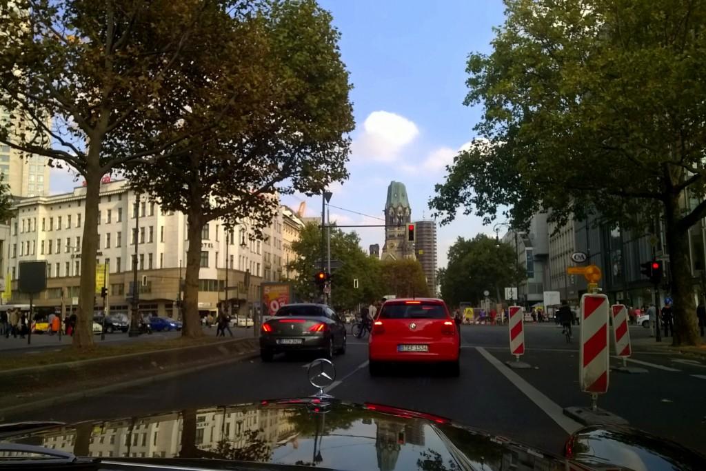 Berlin - Sightseeing im Oldtimer Cabrio - Eine himmelblaue Erlebnisfahrt