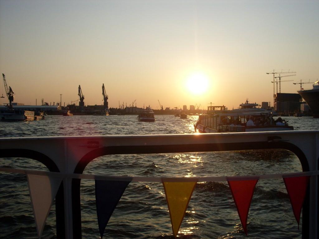 Business-Kurztrip nach Hamburg: Nach dem Meeting am Hafen flanieren