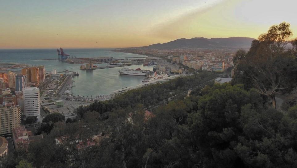 Parador-Gibralfaro-Aussicht-auf-Stadt-und-Hafen (2)