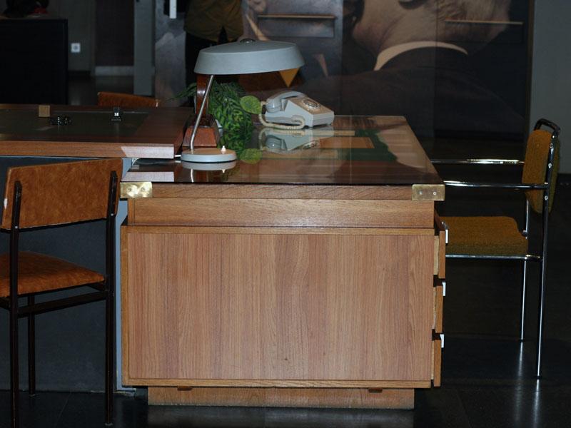 DDR-Museum-Schreibtisch-der-Macht