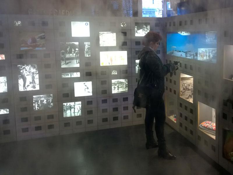 DDR-Museum-arbeiten-im-Nebel