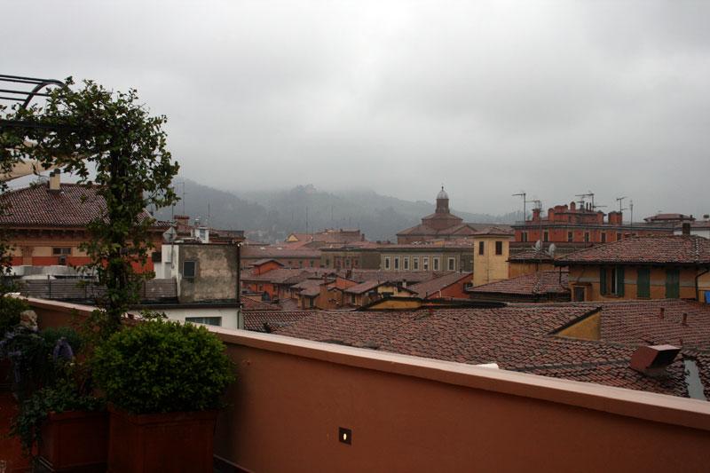 39-Hotel-Suite-Terasse-Blick-über-Bologna