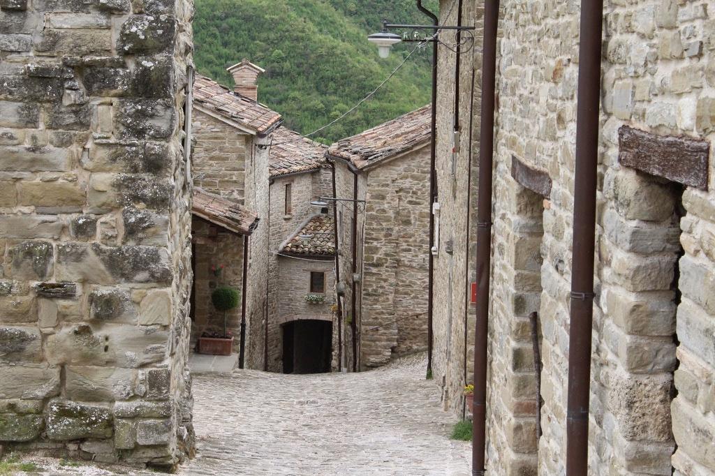 Wo die Zeit stehen geblieben zu sein scheint: Zeitreise durch das italienische Marken
