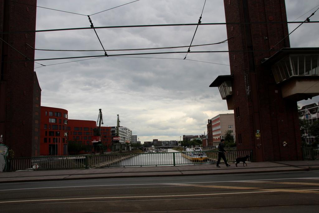 Blich von der Schwanentorbrücke