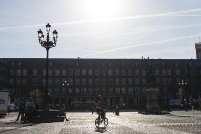 Madrid - Von Plätzen und Palästen. Und verrückten Figuren.