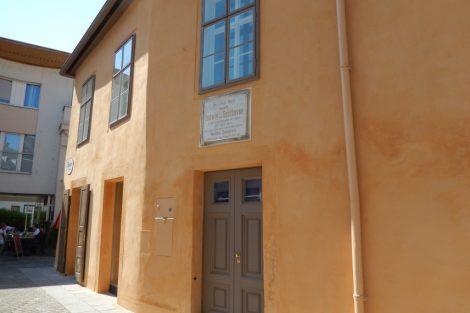In diesem schlichten Haus wohnte Mozart einige Sommer lang