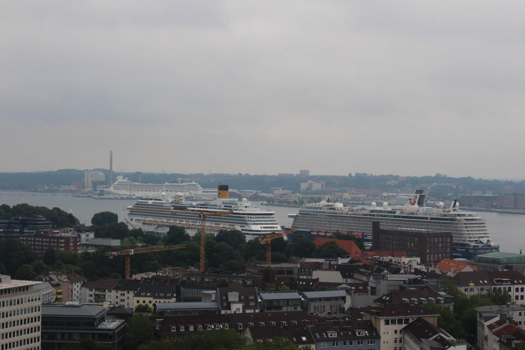 Blick in den Kieler Hafen