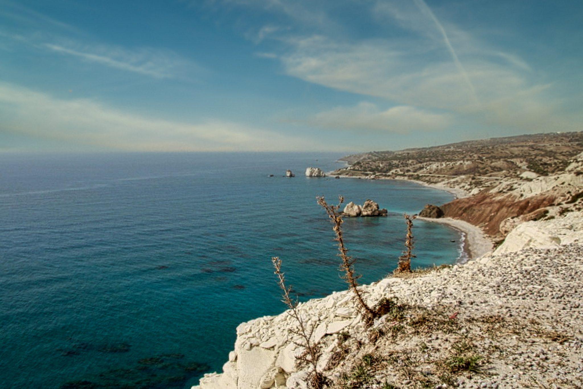 Eine Reise nach Zypern im Winter. Entspannter Urlaub am Mittelmeer.