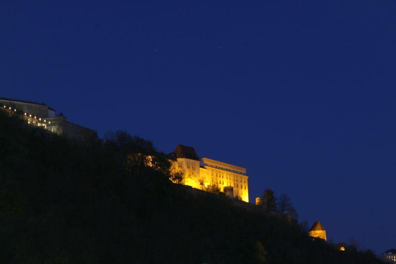 Veste Oberhaus bei Nacht
