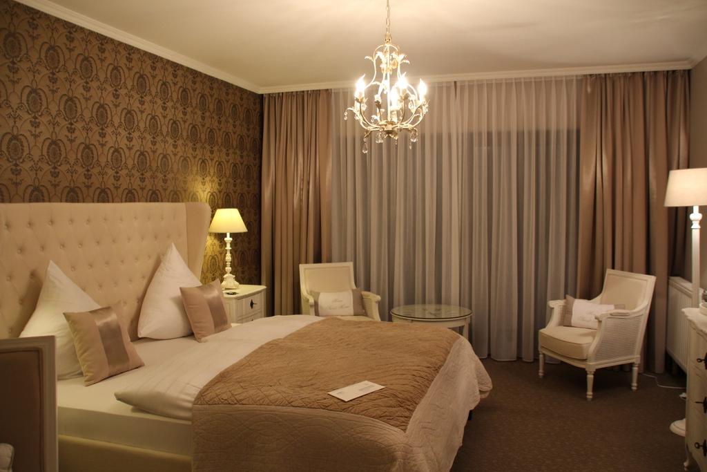 Eines der Zimmer im Hotel Weingärtner - vielleicht für euch passend zu Weihnachten?