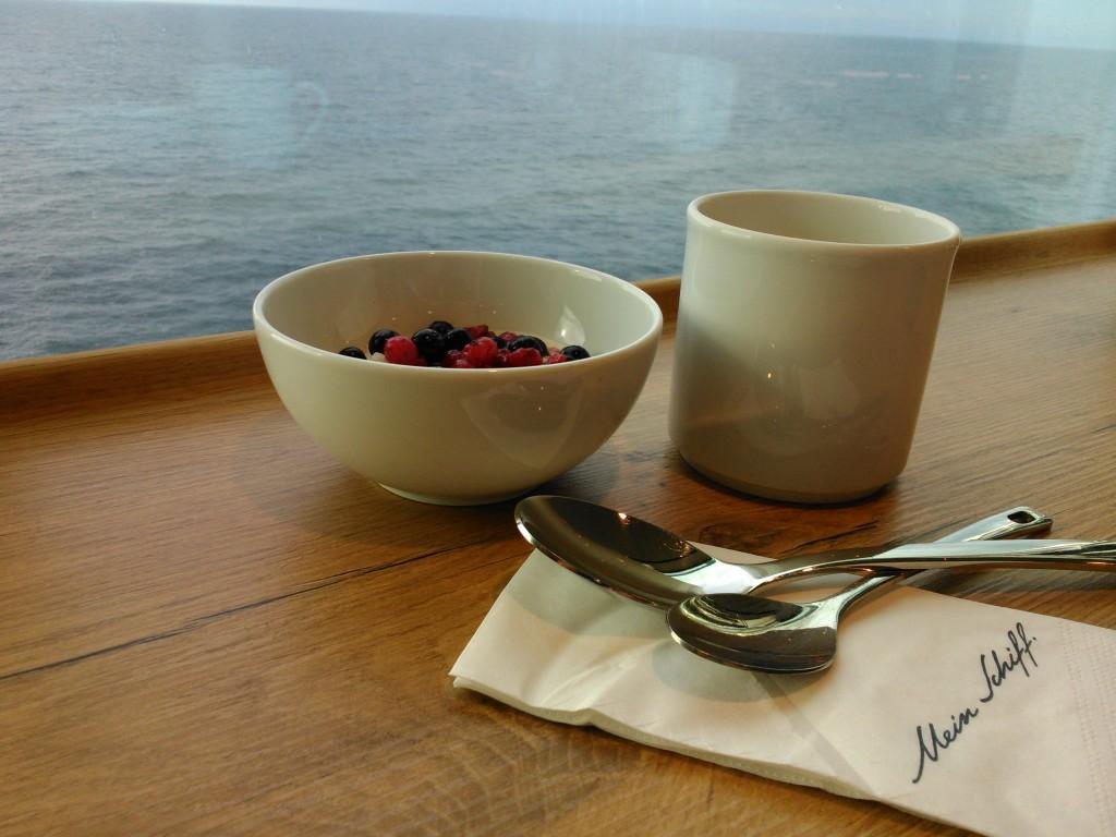 Mein Schiff 4 - Frühstück mit Ausblick