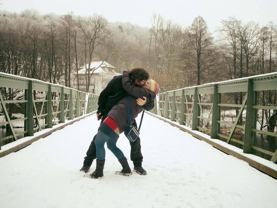 Die Brücke der Einheit vereint auch Liebende (c) Creativelena.com