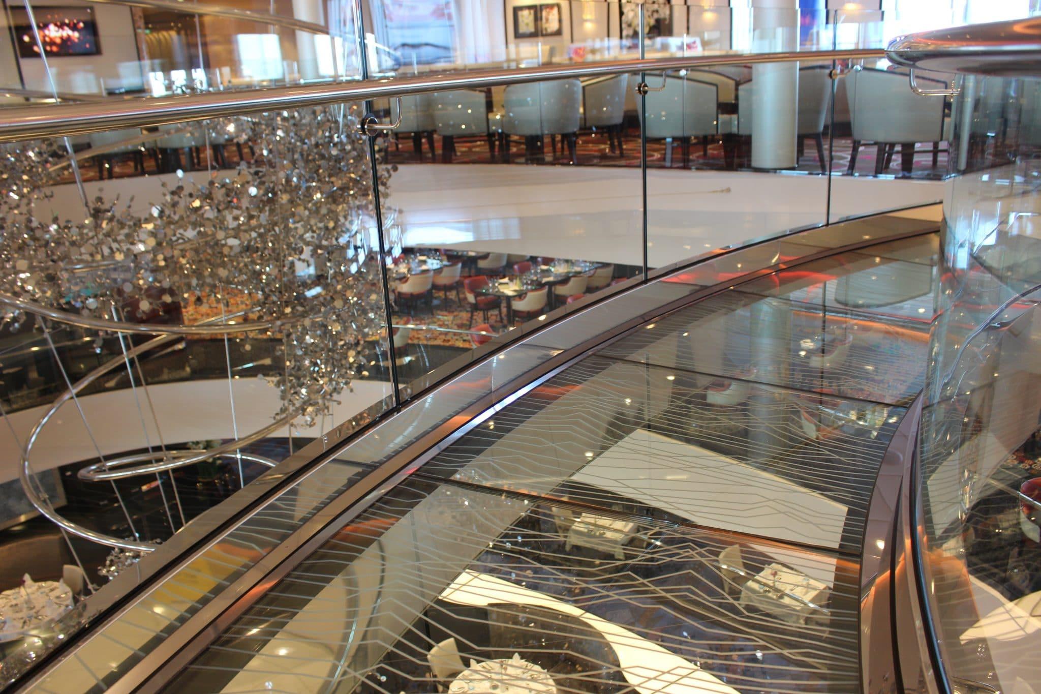 Mein Schiff 4 Blick ins Restaurant Atlantik Klassik