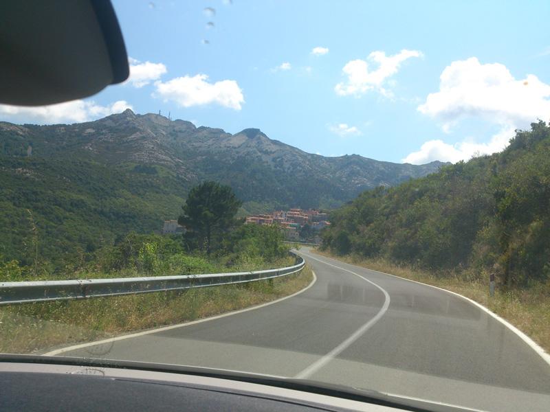 Kurven-auf-Elba