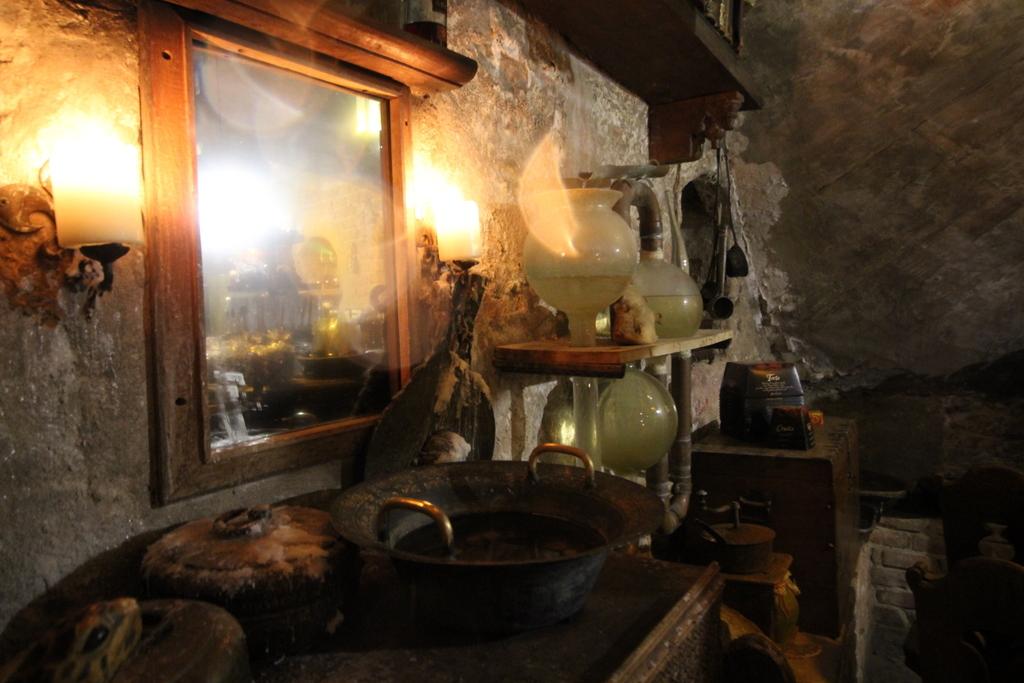 Das Labor in der Black Magic Bar