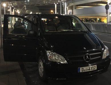 Flughafen Düsseldorf - die günstigsten Tipps rund ums Parken, Hotels und Mietwagen.
