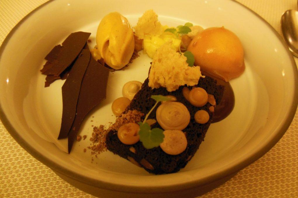 L`étable: Erdnuss und Schokolade mit Sanddorn und Mango
