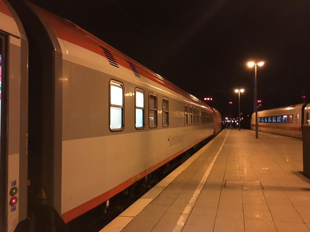 en421-nachtzug-deluxeabteil-3