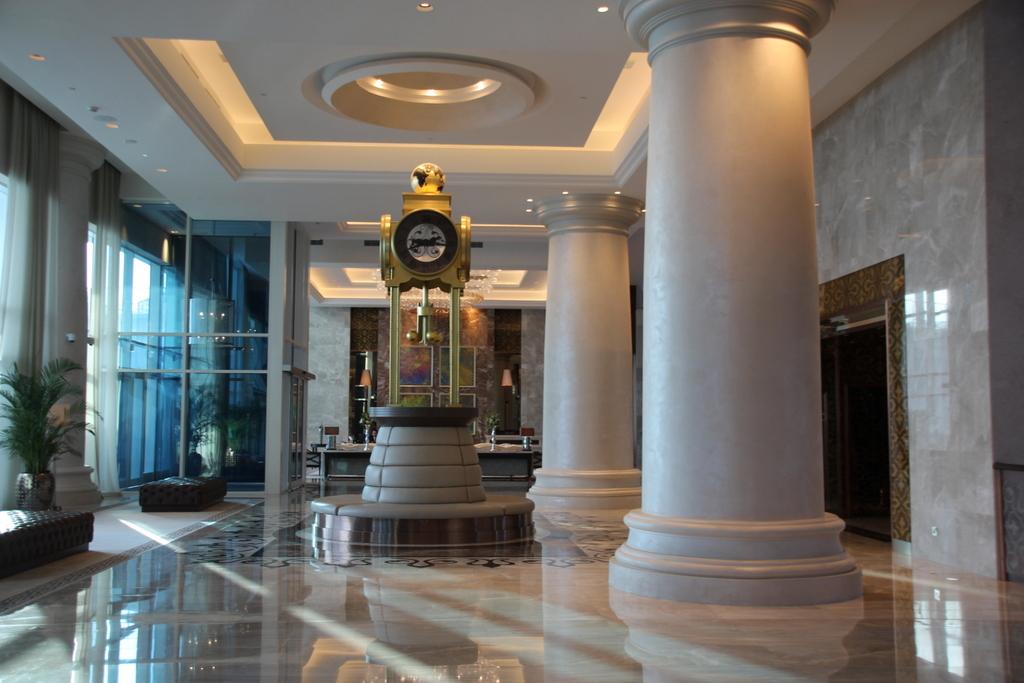 Waldorf Astoria Dubai (11)
