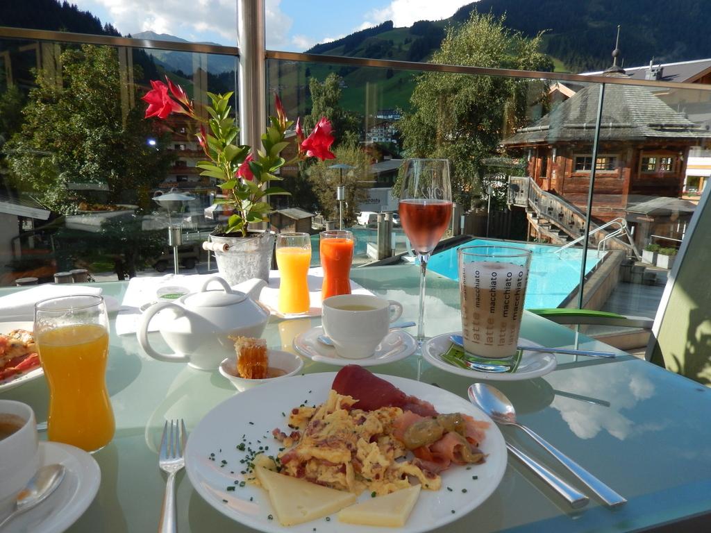 Frühstück im Alpine Palace