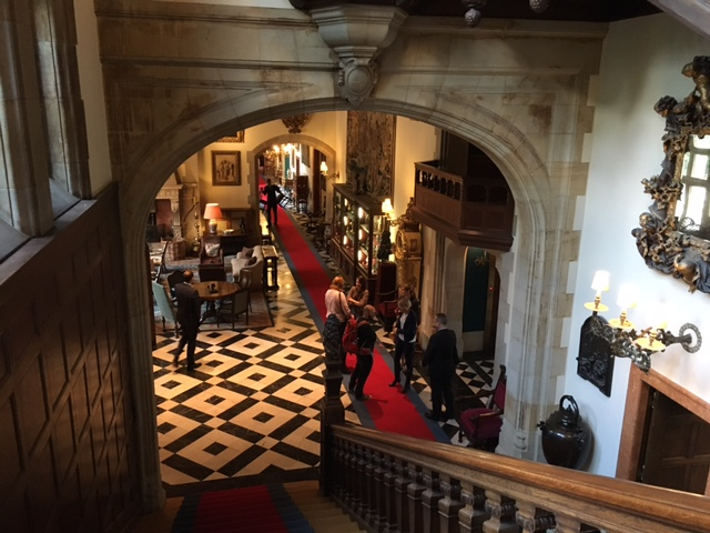 Eine Nacht im Schlosshotel Kronberg: Wenn man von einer Königin verfolgt wird.