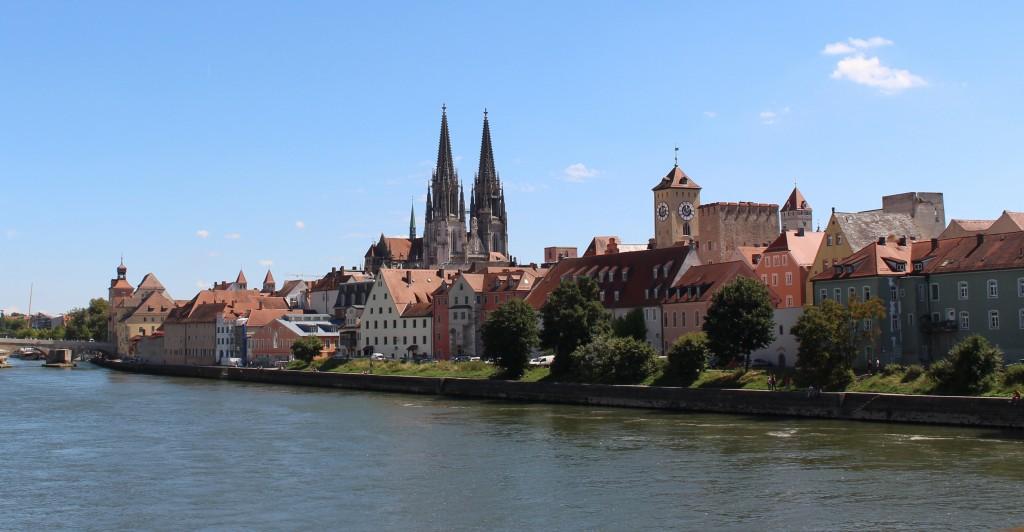 Regensburger Altstadt - vom anderen Donau-Ufer aus gesehen