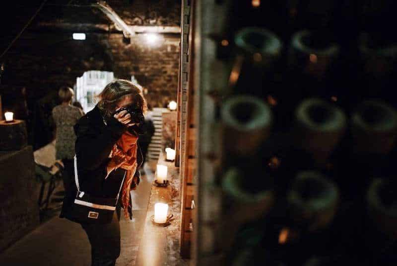 Janett fotografiert Wein