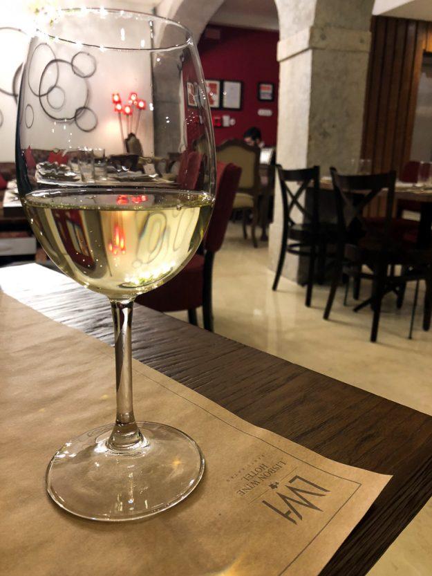 Wo ihr Wein in Europa mal anders genießen könnt!