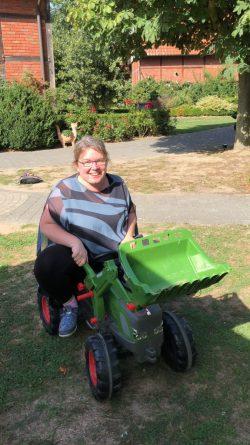 Janetts Challenge: Wie ich in Westfalen lernte Trekker zu fahren.