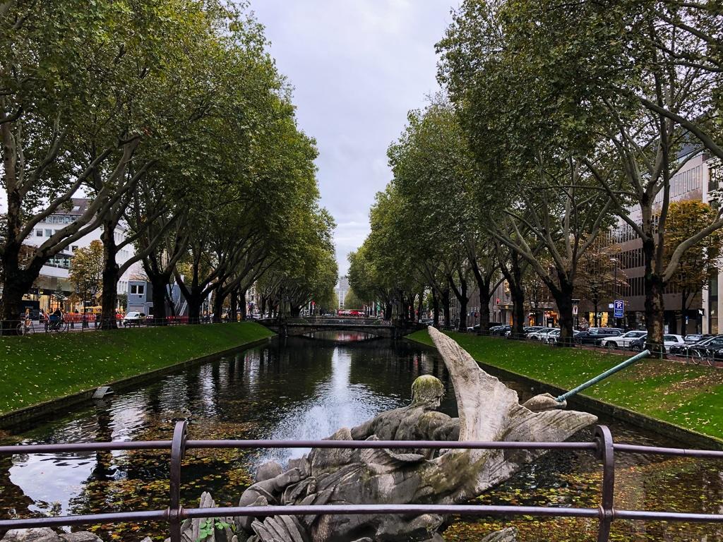 Parks in Düsseldorf - Ein Blick über die Königsallee
