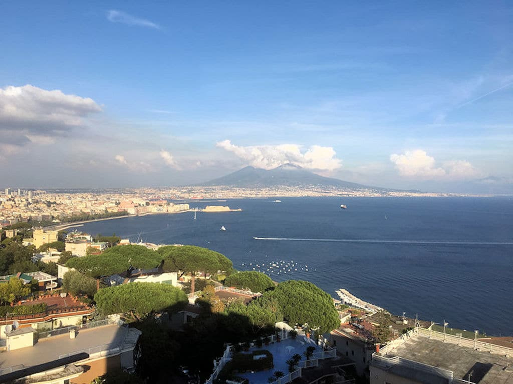 Neapel - Blick auf Vesuv