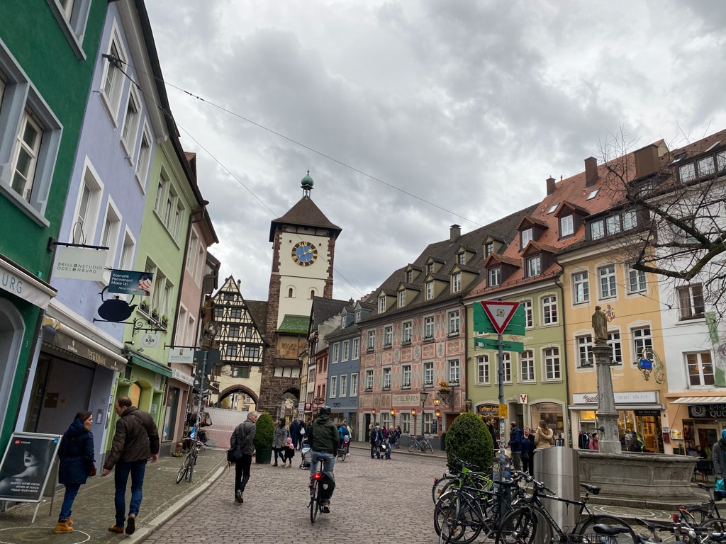 Freiburg in 24 Stunden - Ein Streifzug durch die Geschichte und das Leben der Stadt