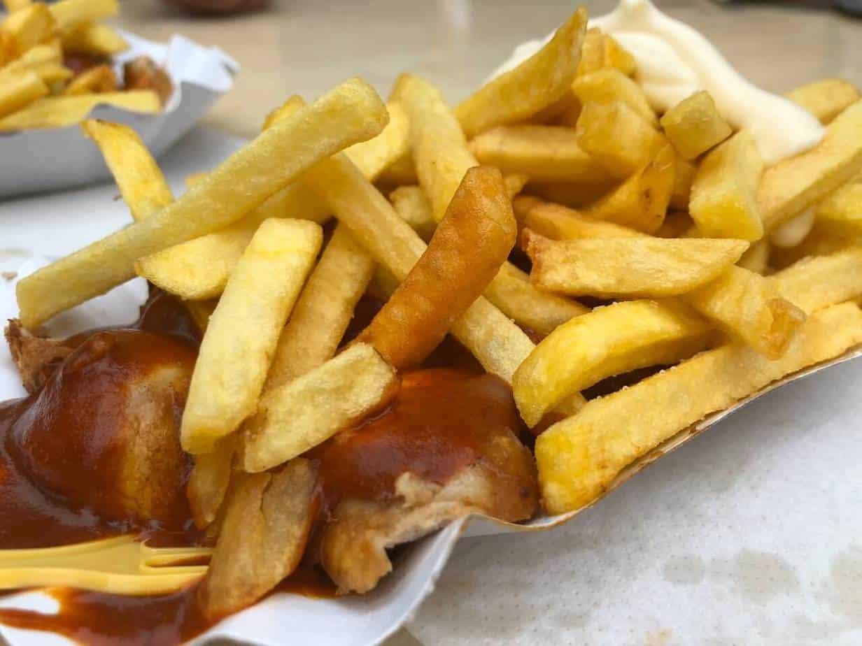 Currywurst/Pommes vom Bratwursthaus in Bochum